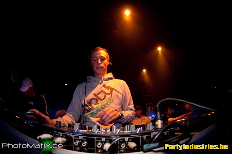 Foto van Party (Industries) For Life (364783)
