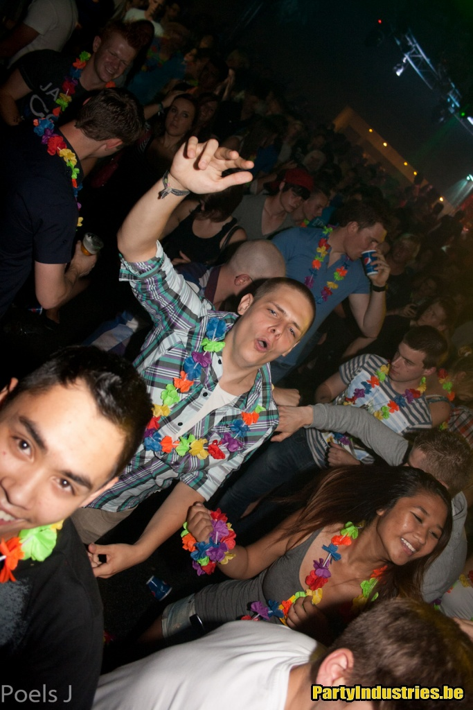 Foto van Dirty Beats Goes Tropical (432905)