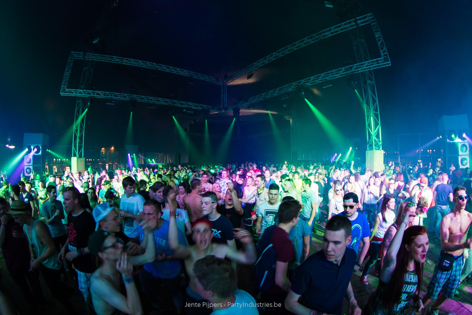 Foto van Daydream Festival 2015 - Dream With Your Eyes Open (539234)