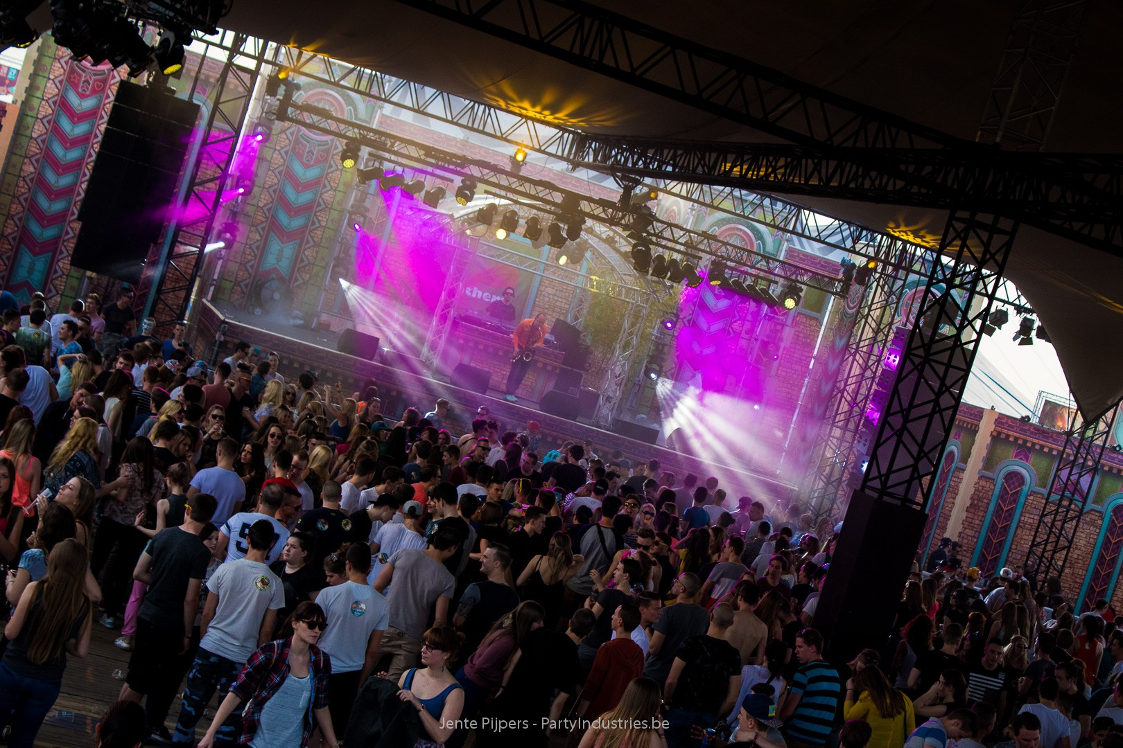Foto van Daydream Festival 2015 - Dream With Your Eyes Open (539246)