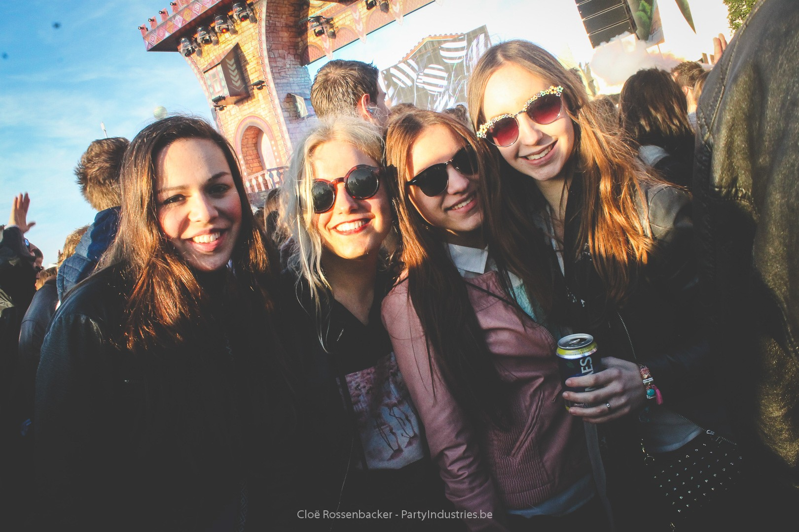 Foto van Daydream Festival 2015 - Dream With Your Eyes Open - Day 2 (540184)
