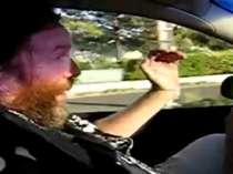 Random Vlaamse zatlap in de auto